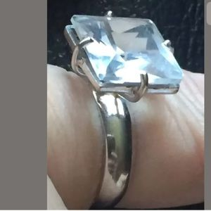 18k solid white gold with sapphire ring size 7